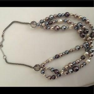 Loft pearl necklace